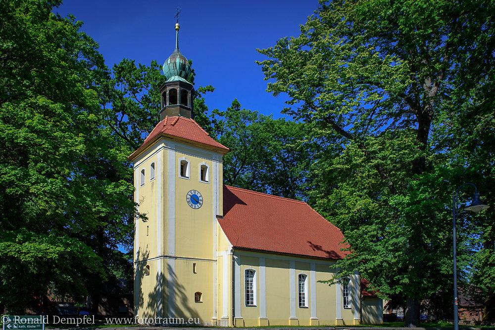Kirche-Welzow.jpg